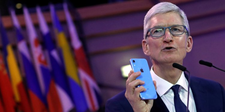 Tim Cook and Pope Francis on Phone Addiction